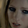 Avril Lavigne presenta el video de su nuevo single 'Wish You Were Here'