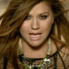 Estreno del nuevo video de Kelly Clarkson 'Mr Know It All'