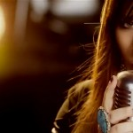 Kelly Clarkson estrena el video de 'What Doesn't Kill You (Stronger)'