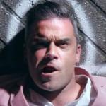 El vídeo de Robbie Williams cantando a su mujer mientras da a luz, se hace viral