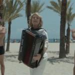 María Jesús y su acordeón versiona 'Dramas y comedias'