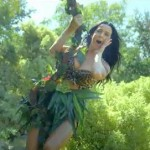 Katy Perry estrena un adelanto de 'Dark Horse' y 'Walking on Air', y un teaser del vídeo de 'Roar'