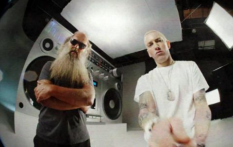 Eminem-Berzerk-video