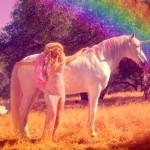 Paris Hilton estrena el vídeo de 'Come Alive'
