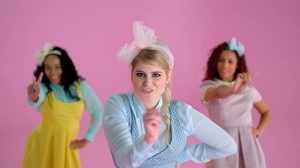 Meghan-Trainor-All-About-That-Bass-music-video-2014-600x337
