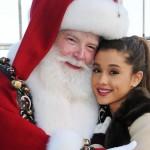 'Santa Tell Me' es el tema navideño de Ariana Grande