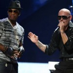 Pitbull y Ne-Yo celebran el fin de año en el vídeo de 'Time Of Our Lives'