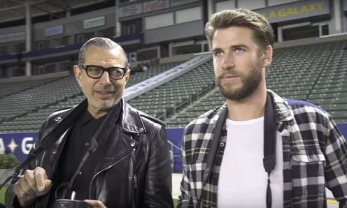 Liam Hemsworth y Jeff Goldblum
