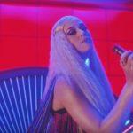 Calvin Harris estrena una nueva versión del vídeo de Feels
