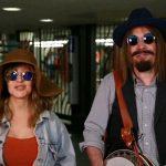 Christina Aguilera canta disfrazada en el metro de Nueva York con Jimmy Fallon