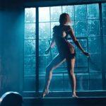Dua Lipa deja sin luz toda una ciudad en el videoclip de Electricity con Diplo y Mark Ronson