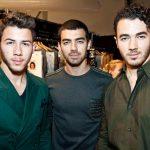 Los Jonas Brothers anuncian su regreso con nueva música y un documental