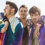 Los Jonas Brothers estrenan el videoclip de Sucker con sus parejas