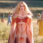 Katy Perry regresa con el videoclip de Never Really Over