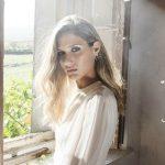 Sabela publica Despedida, su primer disco, y estrena el videoclip de El Paso